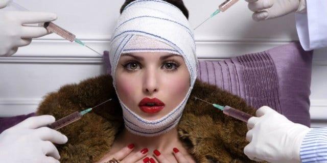 """Courteney Cox pentita del botox: """"Ho sbagliato...la bellezza naturale è straordinaria"""""""