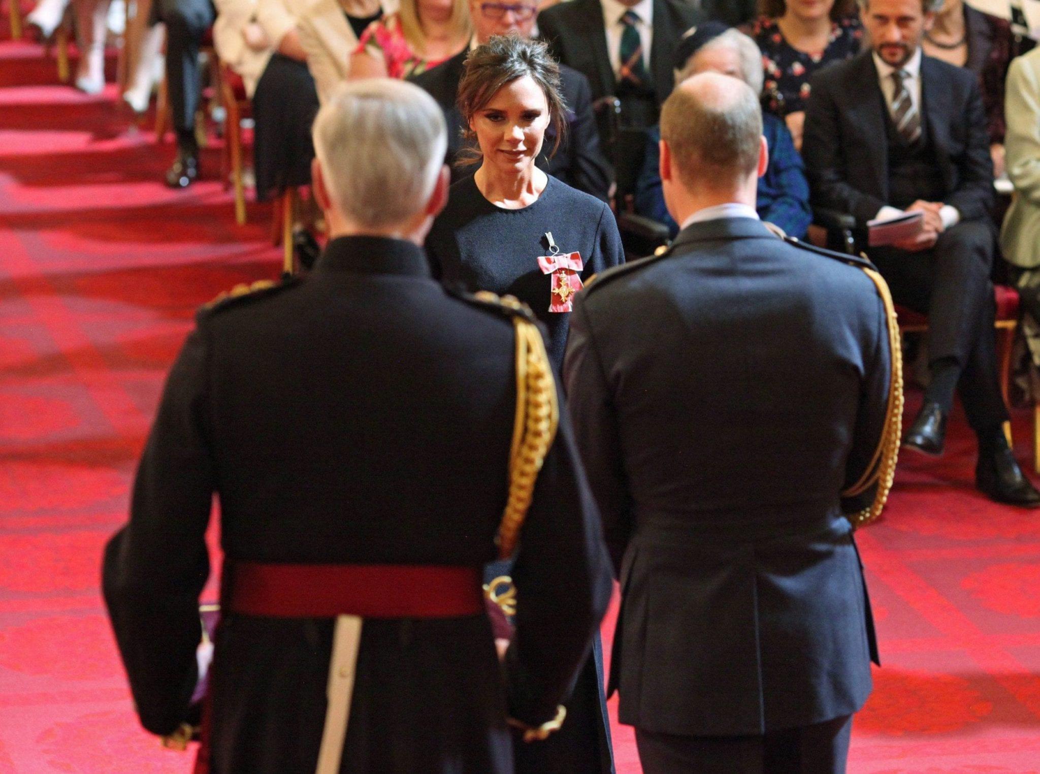 Victoria Beckham premiata dal principe William: ora è un Ufficiale dell'Impero Britannico