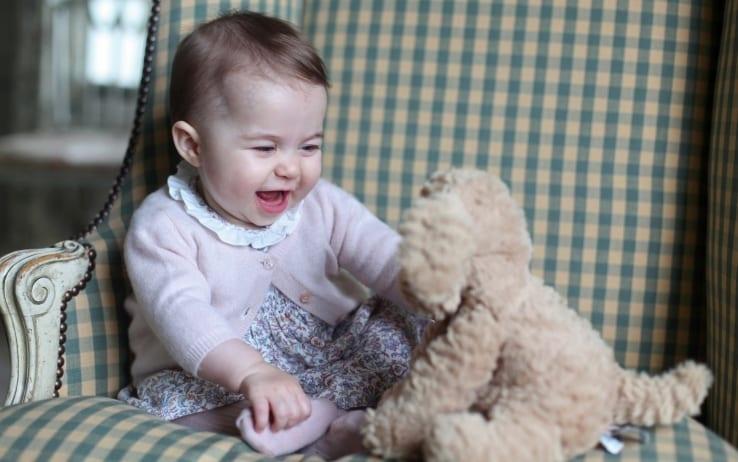 La principessa Charlotte compie due anni: lo scatto che ha conquistato il web