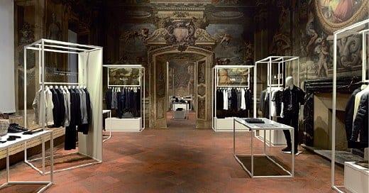 Rivoluzione shopping: non più negozi da oggi si compra in casa