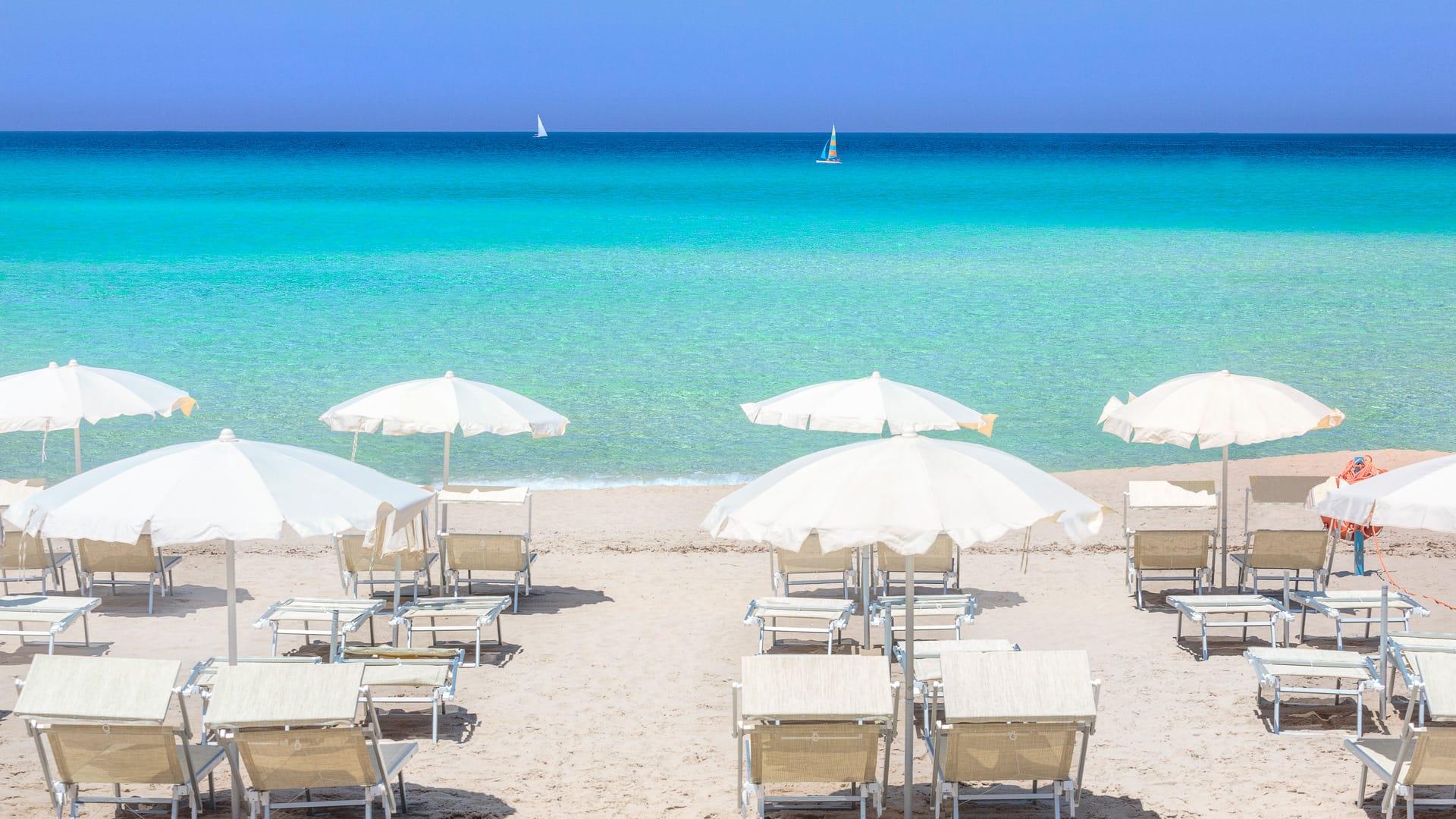 Estate, il Galateo da spiaggia: ecco le dieci regole