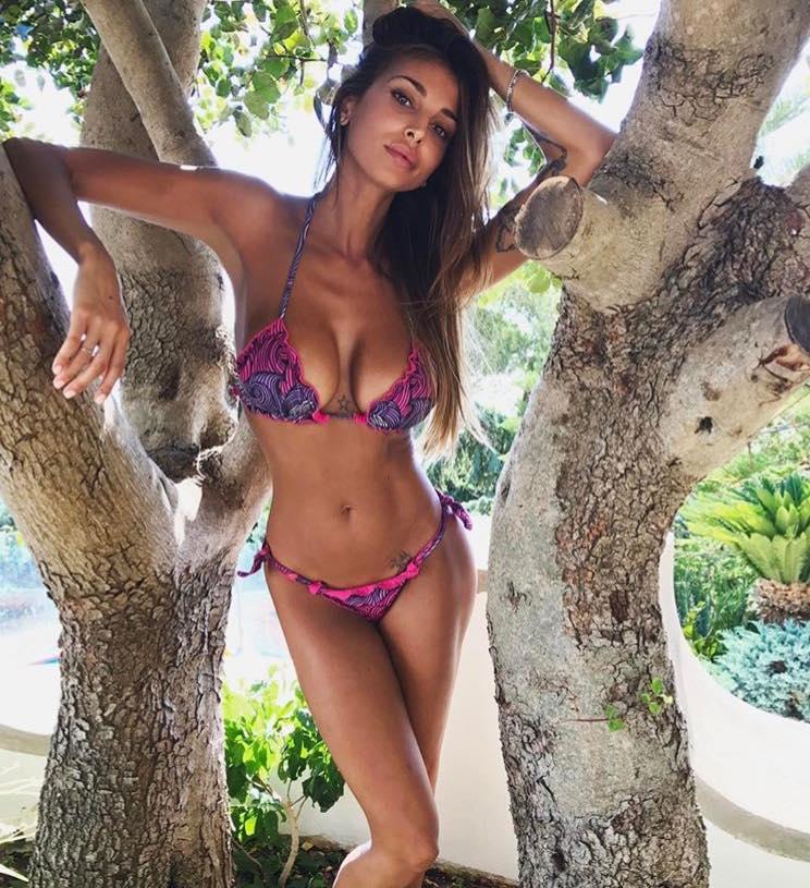 Cristina Buccino, le sue vacanze super hot alla ricerca dell'amore [VIDEO]