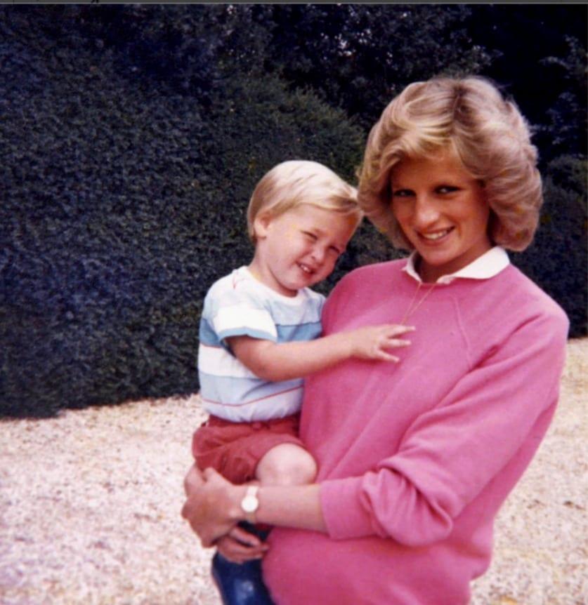 Lady Diana, il ricordo inedito e toccante dei principi William e Harry [VIDEO]