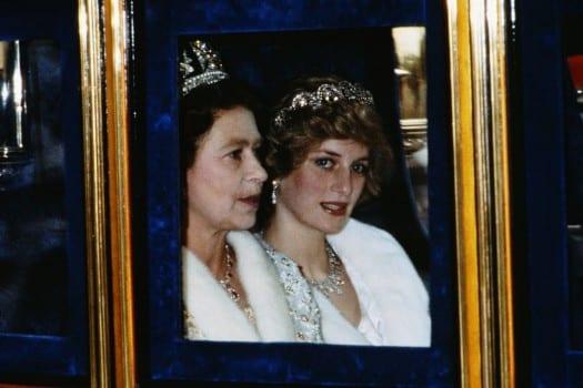 """Lady Diana, le inedite rivelazioni shock: """"Ho chiesto aiuto alla Regina Elisabetta, ma non ci sono speranze"""" [VIDEO]"""