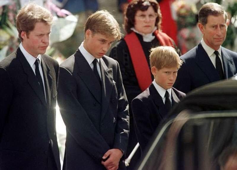 """Principe William, il ricordo inedito del giorno del funerale: """"È stato il momento più difficile"""" [VIDEO]"""