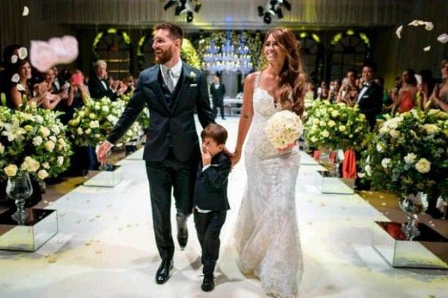Matrimonio di Messi, beneficenza in lista nozze, ma invitati dal braccino cortissimo