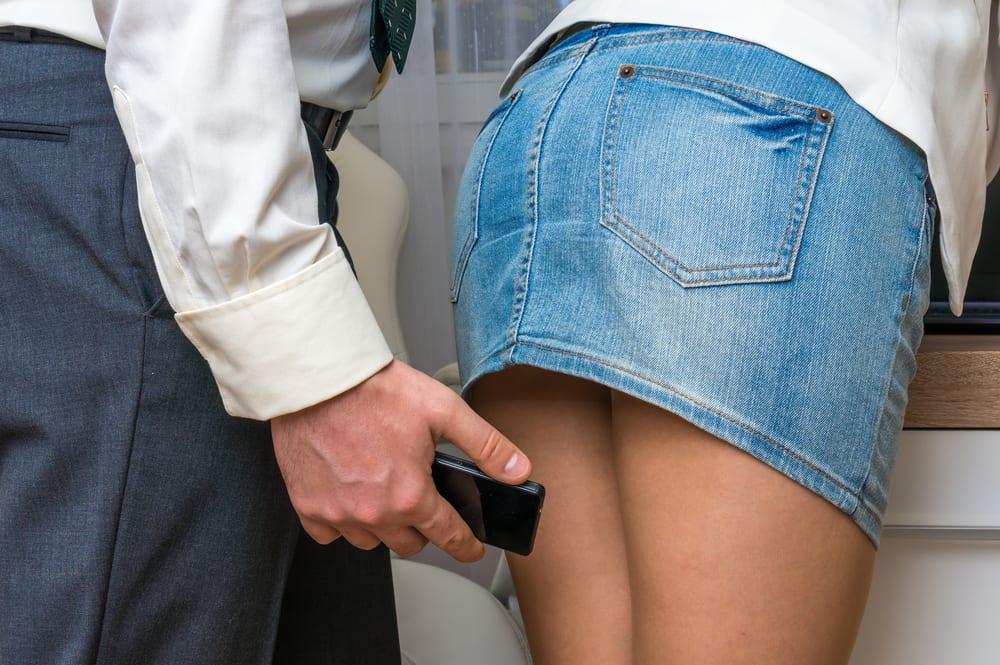 "Upskirting, le nuove molestie sessuali: ""Ho riconosciuto le mie mutande!"""