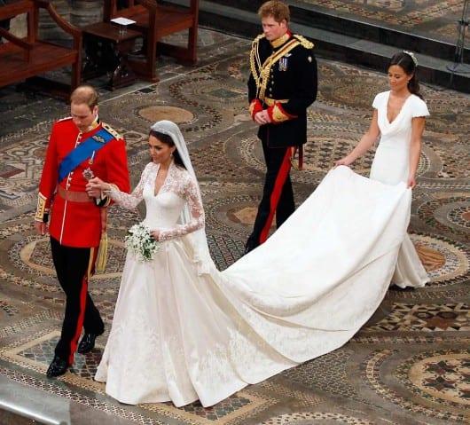 Kate Middleton e il secondo abito da sposa che in pochi conoscono [FOTO]