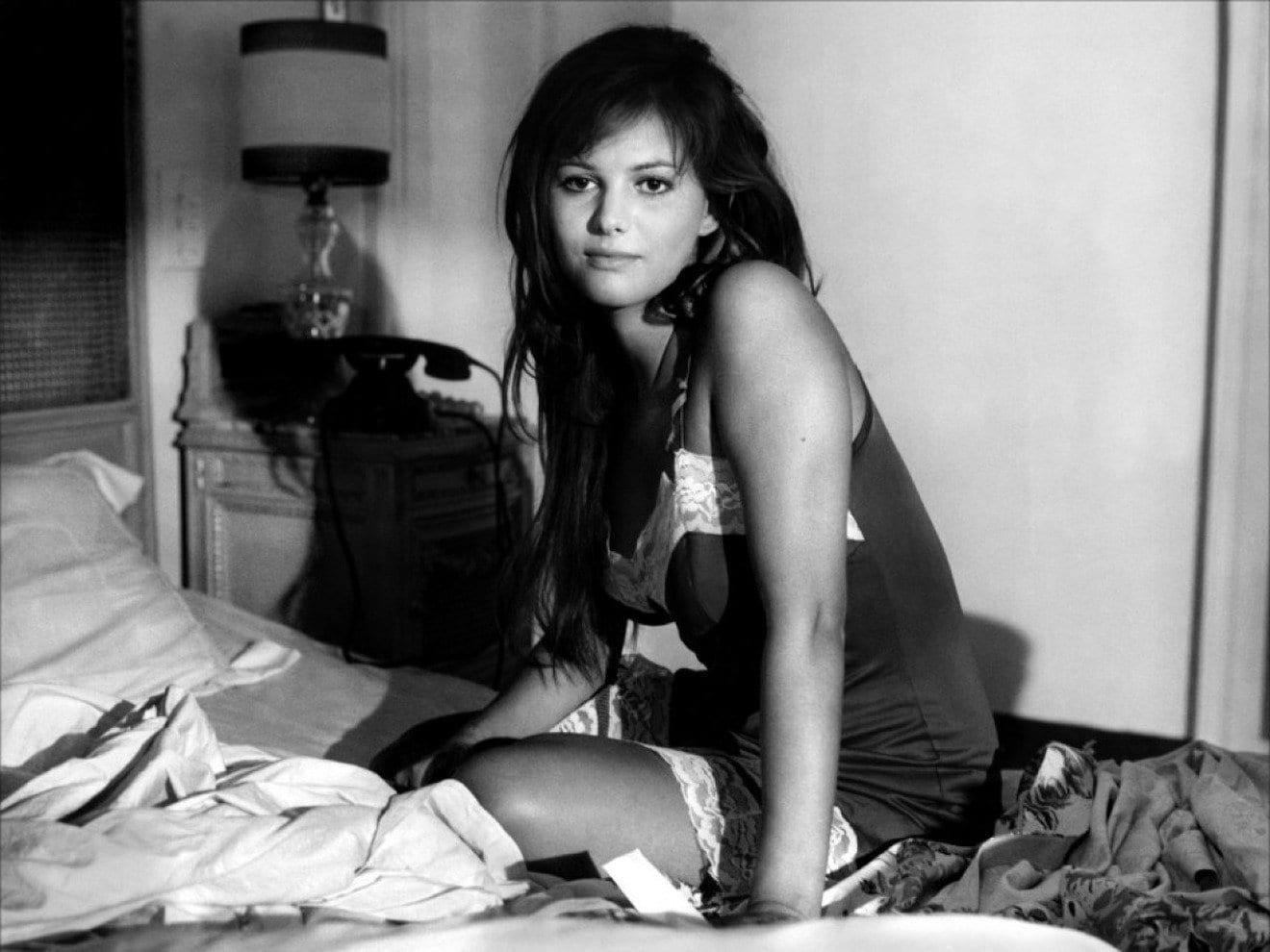 """Claudia Cardinale, la confessione shock: """"Mio figlio patrick è nato da uno stupro"""""""