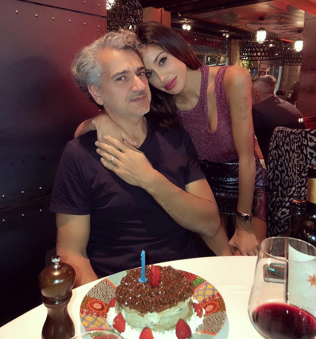 Belen Rodriguez sexy ed irresistibile al compleanno del padre [VIDEO]
