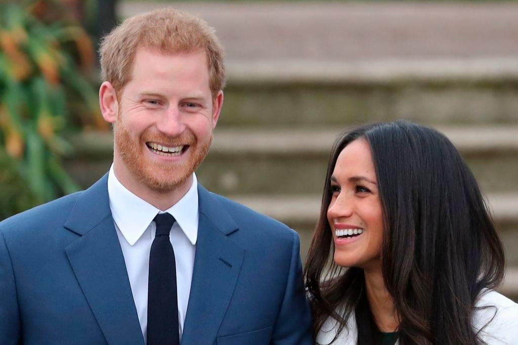 Principe Harry e Meghan Markle matrimonio, la prima foto ufficiale del fidanzamento [FOTO + VIDEO]