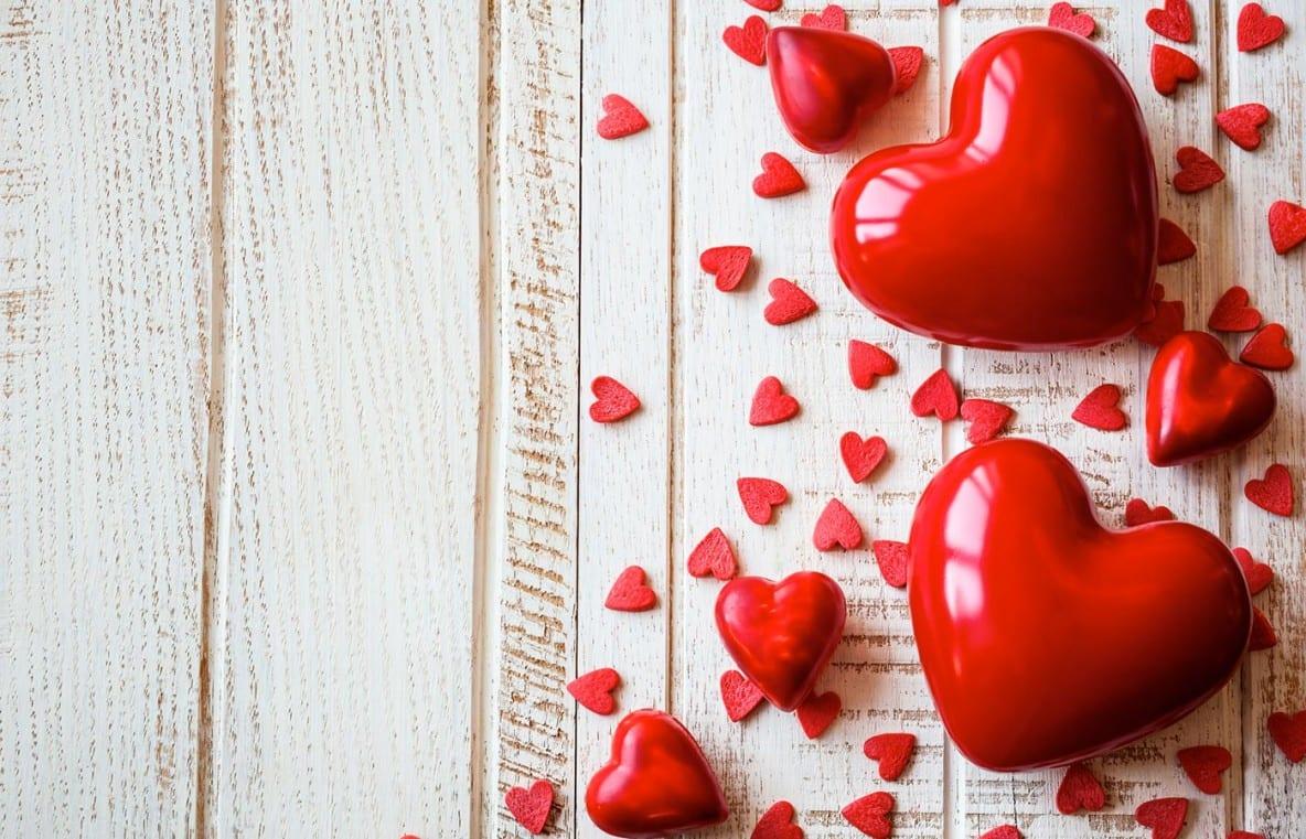 Idee Regalo Romantiche Per Lei Great Eventi Ricorrenze Romantici