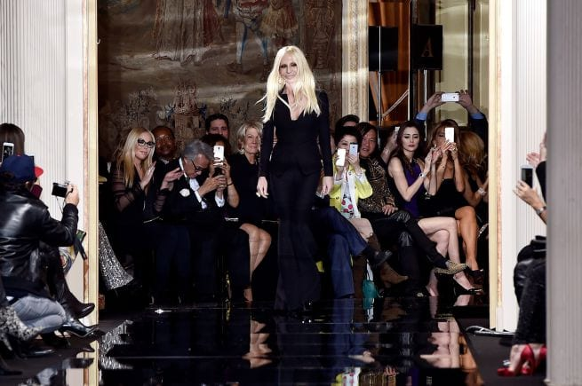 Donatella Versace dice stop alle pellicce:
