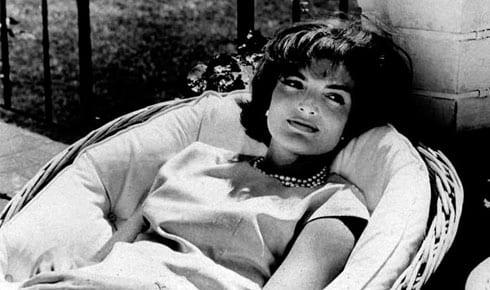 Jacqueline Kennedy, un mito ancora oggi: storia di un'icona di stile