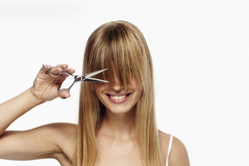 Come tagliare la frangia senza sbagliare: tutti i trucchetti