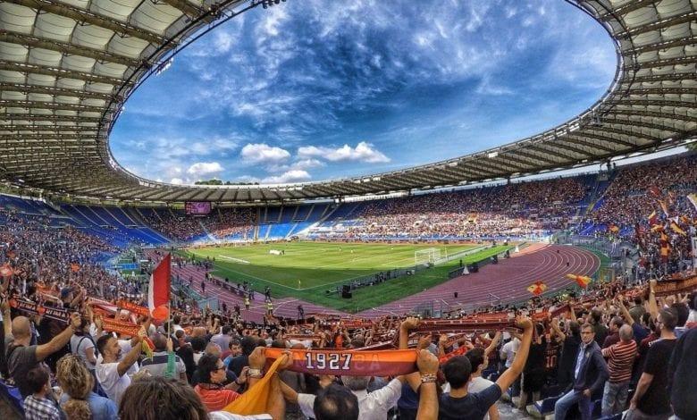 Calcio stadio riapertura