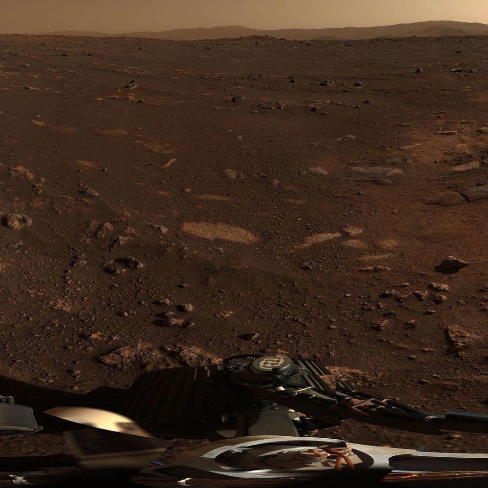Marte, Perseverance sul bordo del cratere: le immagini spettacolari della Nasa