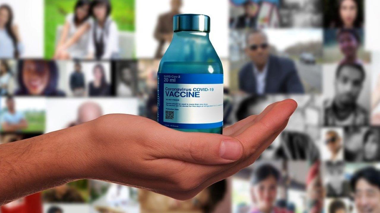 Vaccino Covid AstraZeneca limiti